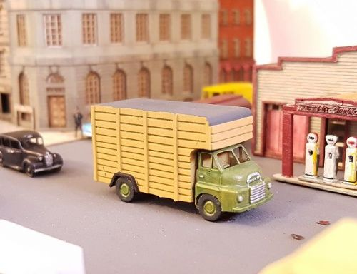 Arch Laser A3D0042 N Gauge Bedford S Cattle Lorry (green)